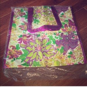 NWT: Lilly Pulitzer printed shopping tote